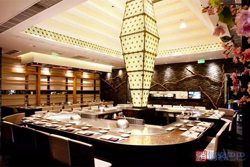 高端餐厅的生意经,价值666元的龙虾卖99元,不亏钱反而赚了1个亿