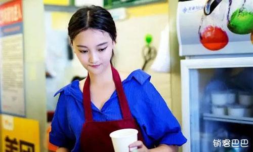 奶茶店营销案例,如何利用免费送模式送100杯奶茶,一个月还赚了12万元